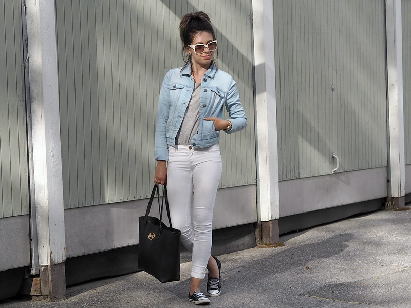 light blue denim jacket1
