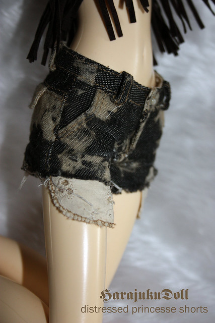 HarajukuDoll-distressed princesse shorts
