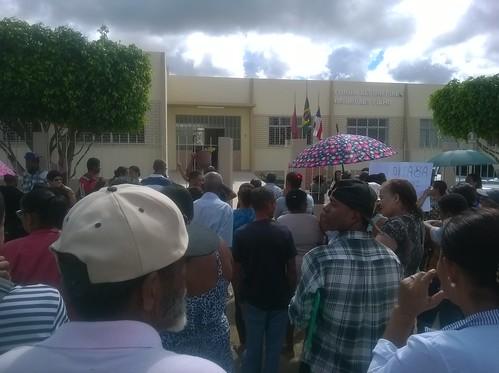 Itiruçu: População pede socorro pela falta de água