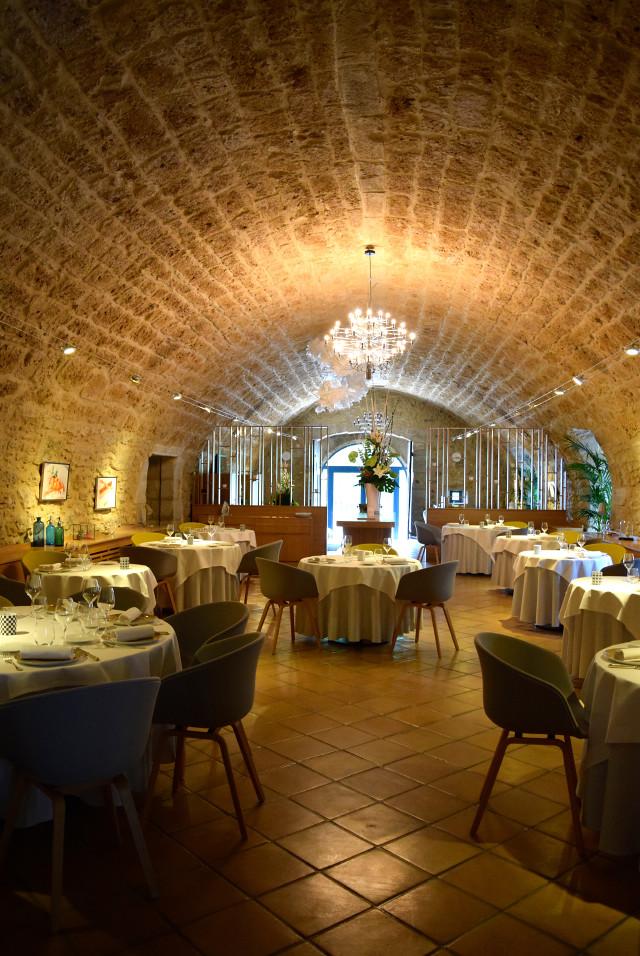 Dining Room at Hostellerie de L'Imaginaire | www.rachelphipps.com @rachelphipps