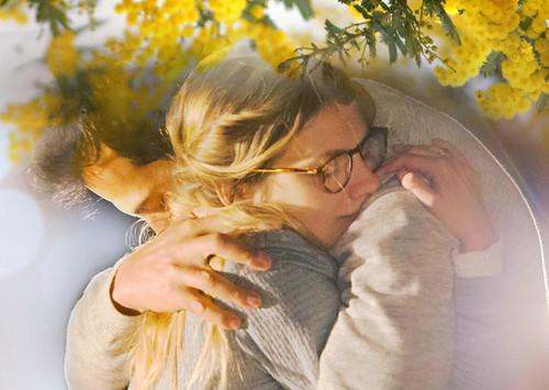 映画『ミモザの島に消えた母』より ©2015 LES FILMS DU KIOSQUE FRANCE 2 CINÉMA TF1 DROITS AUDIOVISUELS UGC IMAGES