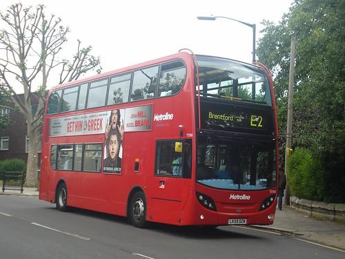 Metroline TE988 on Route E2, Brentford, 19/06/10