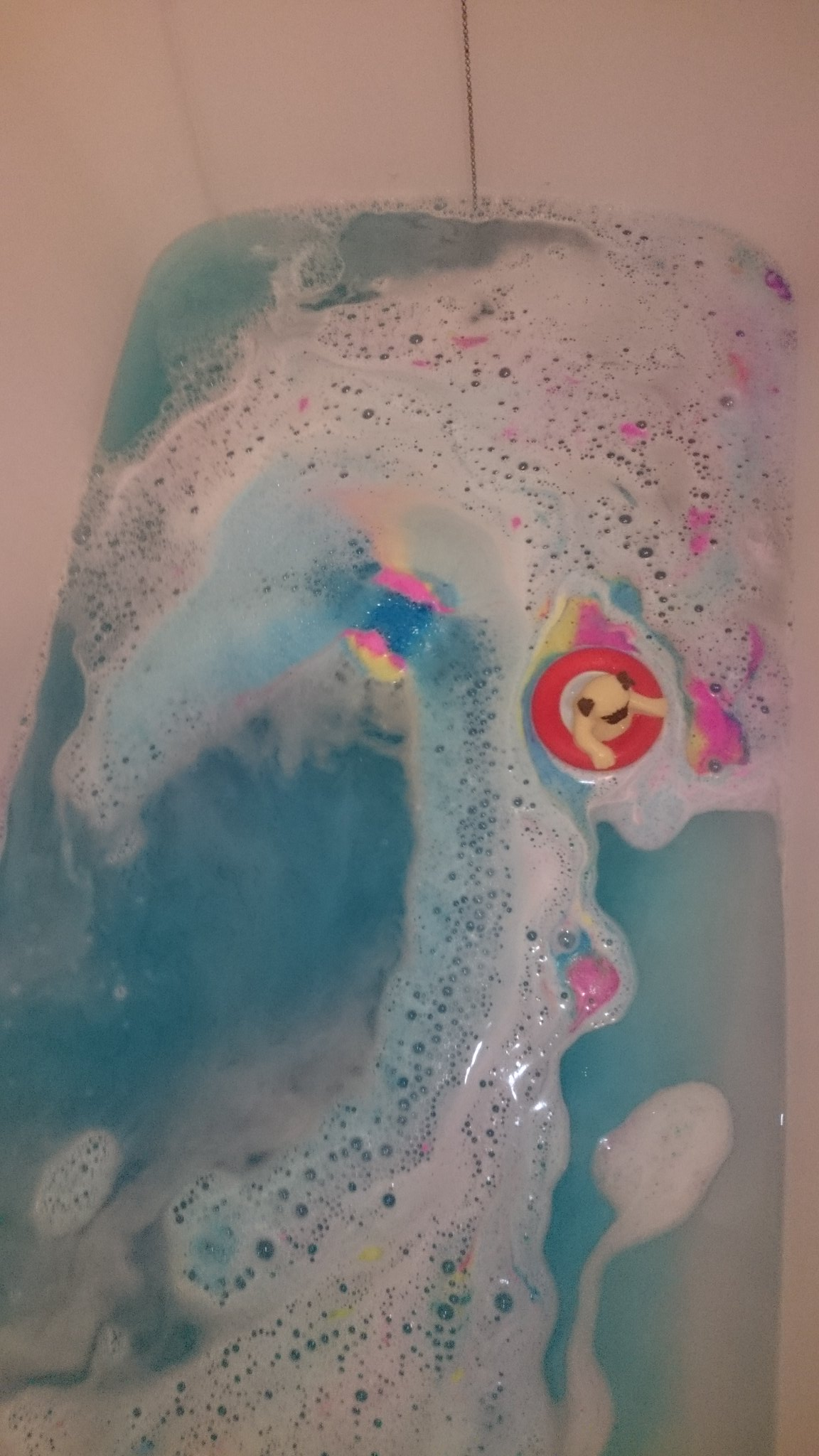 Miss Patisserie Rainbow River Bathbomb Review