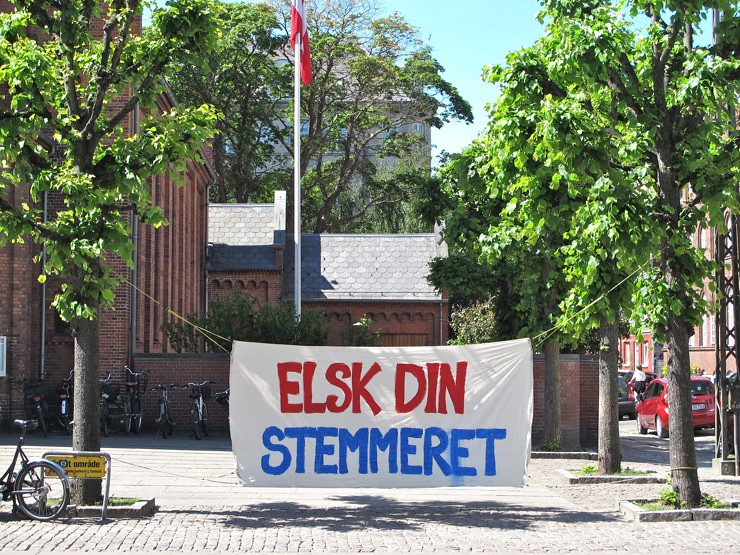 Elsk din stemmeret / Love your voting rights