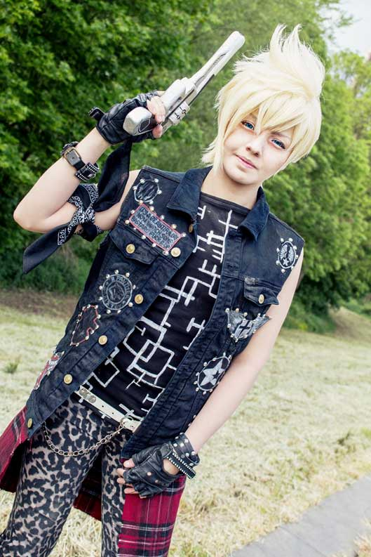 Final Fantasy XV Prompto Cosplay
