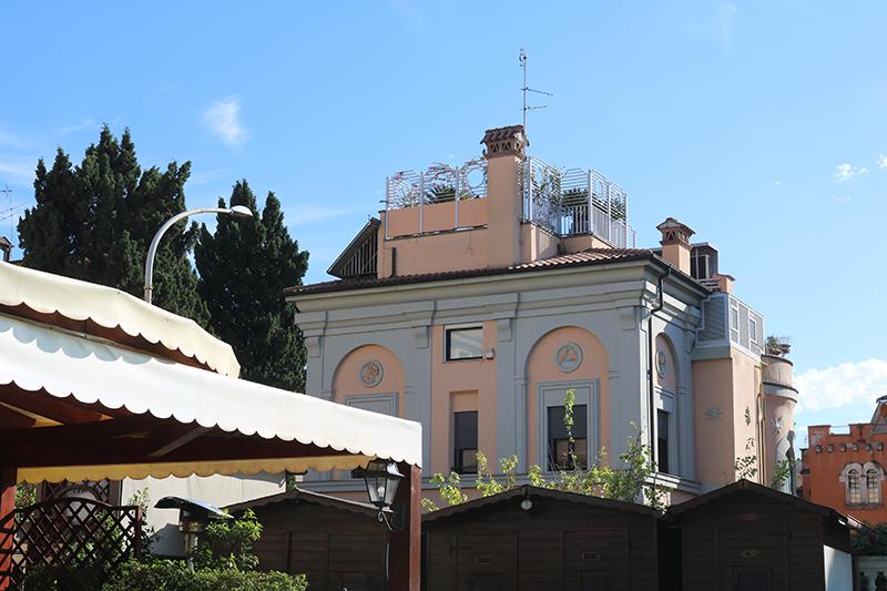 Rome 22 - Adora Mehitabel