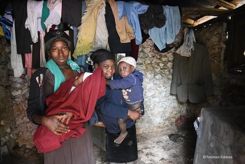 Yo solo soy uno Más- - Haití, Chapottin, dam Memwa, binasyonal mache. Medam lavil frè. (4)