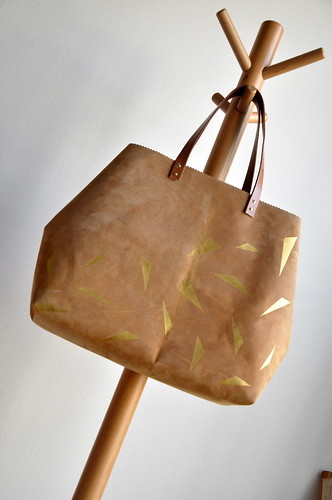 Leather and gold bag :: DIY instructions | by // Between the Lines //