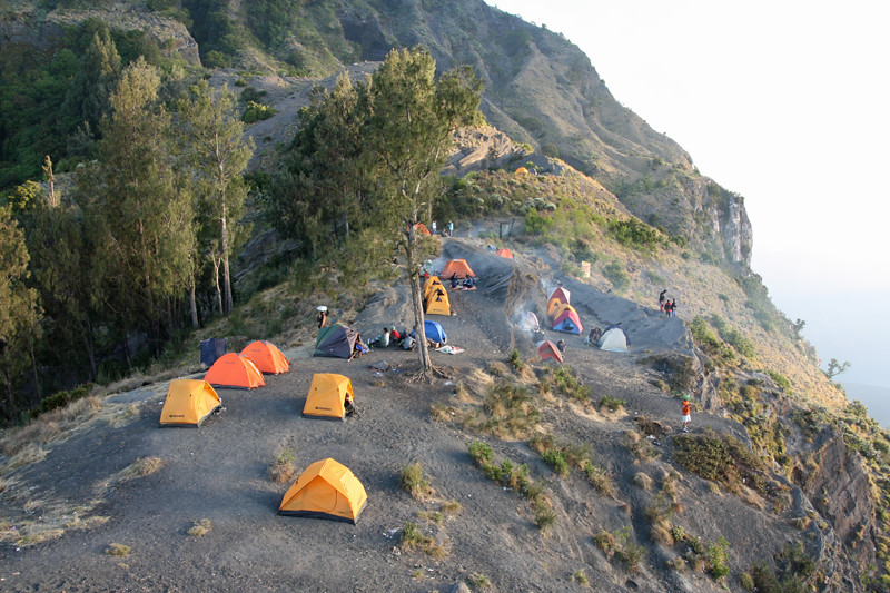 Mt Rinjani base camp at 2600m.