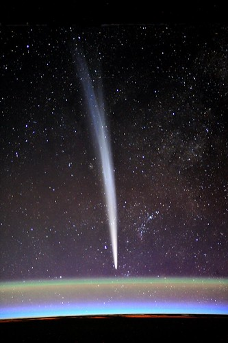 Comet Lovejoy by Cdr Dan Burbank @astrocoastie, on launch day. One of the first who spotted it. | by André Kuipers