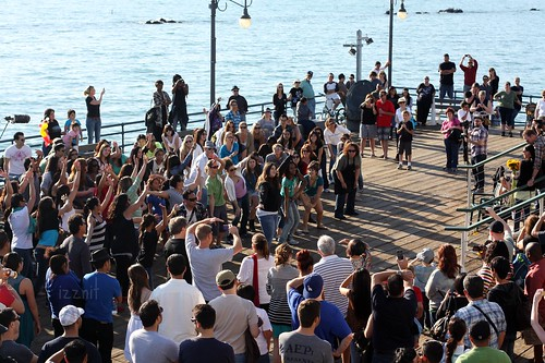 Flash Mob Proposal at the SM Pier | by Izznit