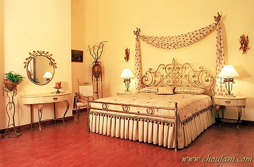 Michelle michelle forged iron bed decorated with for Interior designs by michelle