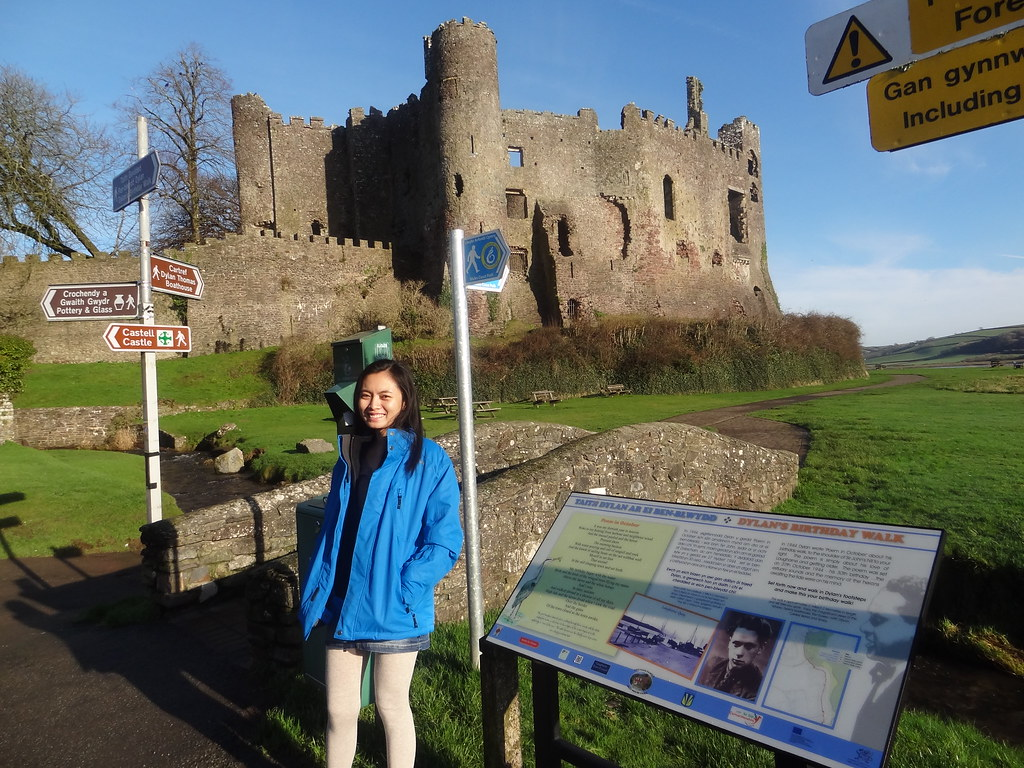 Laugharne Castle 2 - Copyright Travelosio