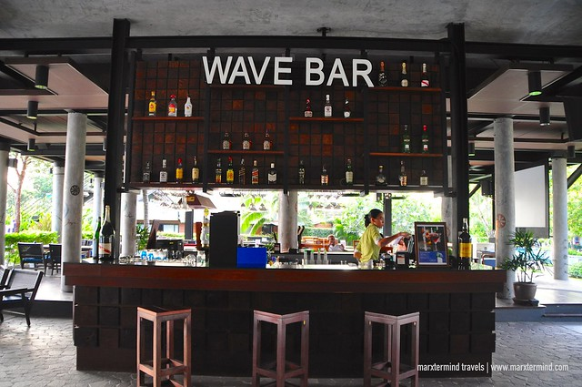 Wave Bar at Holiday Inn Resort Krabi