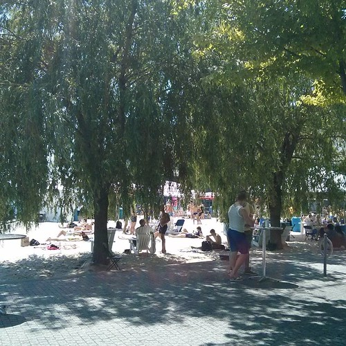 Sugar Beach in the shade #toronto #sugarbeach #beach
