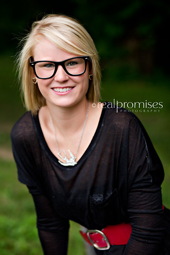 High school senior girl in black glasses on park bench in hendersonville tn | by Summer- Real Promises Photography