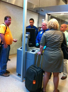 New TSA Identification Checking Machine at Dulles Airport | by Wayan Vota