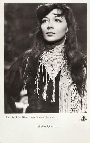 Juliette Gréco in Elena et les Hommes (1956)