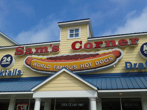 The front of Sam's Corner with its world famous hot dogs sign | by wfyurasko