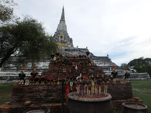 biking-stupa-2