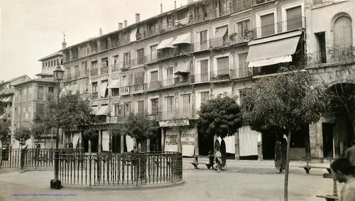 Plaza de Zocodover en 1927. Fotografía de Joaquín Turina © Fundación Juan March