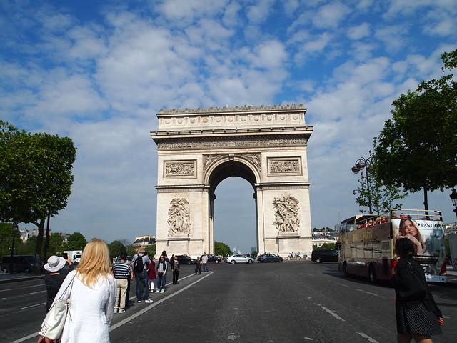P5281806 エトワール凱旋門(アルク・ドゥ・トリヨーンフ・ドゥ・レトワール/Arc de triomphe de l'Étoile) パリ フランス paris france