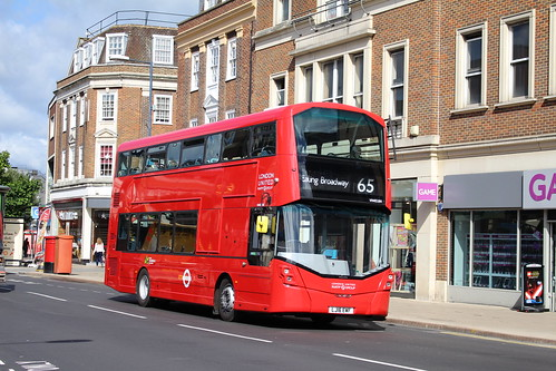 London United VH45184 on Route 65, Kingston