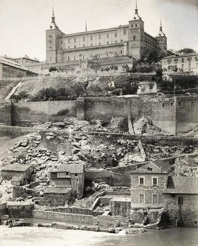 Alcázar de Toledo y Turbinas de Vargas hacia 1910 por Charles Upson Clark