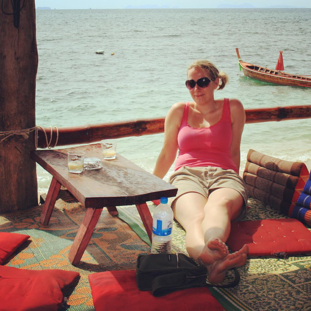 AROUND THE WORLD 2012 | #13 | THAILAND Next stop after Koh Ngai: Koh Lanta. Chilling at the bar of Blue Andaman Lanta Resort. Good times 😊. #rtw #rtw365 #aroundtheworld #RTW2012 #aroundtheworldtrip #maailmanympärimatka #bigadventure #suuriseikkailu
