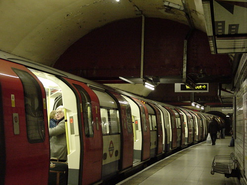London Underground - 1995 tube stock, Leicester Square, Northern Line