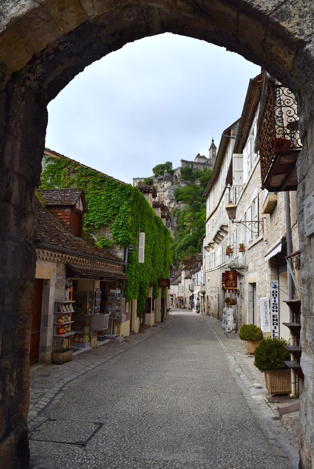 Entering the town of Rocamadour, Dordogne Valley | www.rachelphipps.com @rachelphipps
