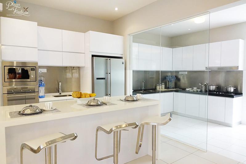 the vantage superlink kitchen with island