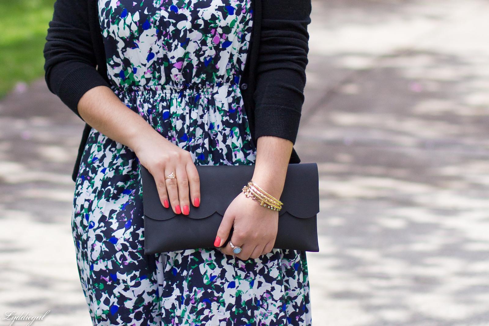 floral maxi dress, scalloped edge clutch, black sandals-3.jpg