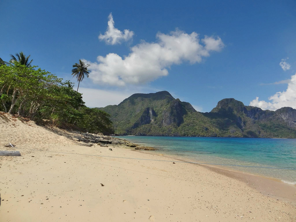 El Nido Beach - Copyright Travelosio
