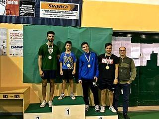 Al centro Antonio Giodano vincitore della quinta categoria dei campionati regionali di tennis tavolo