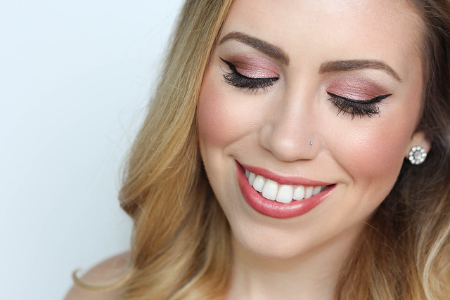 Rose Gold Eye Shadow by bareMinerals   Cat Eye   Warm Lipstick   Warm Makeup Tutorial   Beauty on Living After Midnite by Jackie Giardina Beauty Blogger