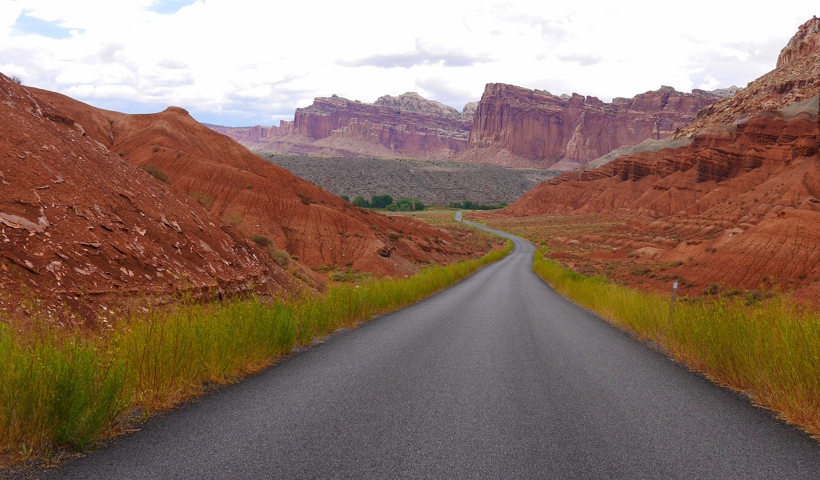 Scenic drive in the park. Peace out Capitol Reef