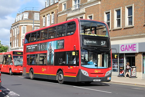 London General E147 on Route 57, Kingston