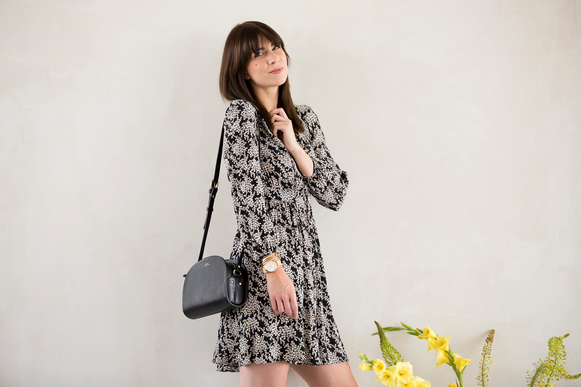 max&co maxandco summer dress floral print black white minimal romantic cute online shop dresses shopping a.p.c. halfmoon bag luxury girl bangs brunette francaise parisienne saint laurent espadrilles ootd look fashionblogger ricarda schernus cats & dogs 3