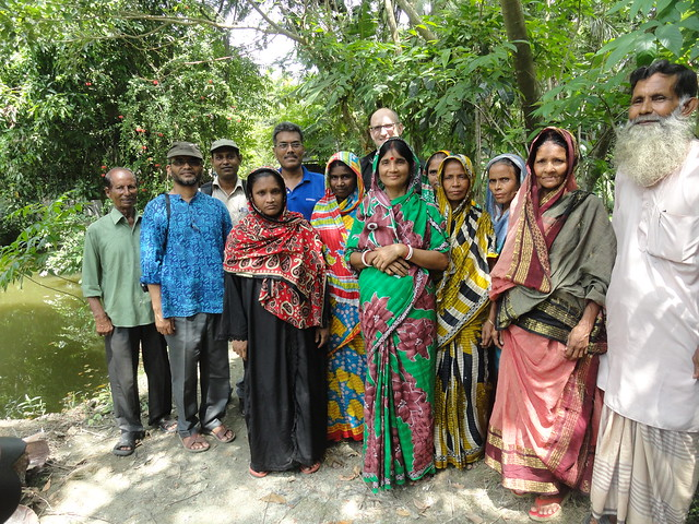 Small Indigenous Species (SIS) pond visit in Barisal, Bangladesh. Photo by Md. Golam Esahaq, 2013.
