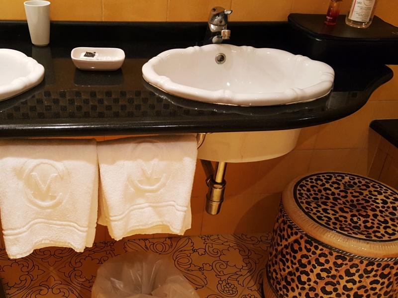 Casa Morgano washroom