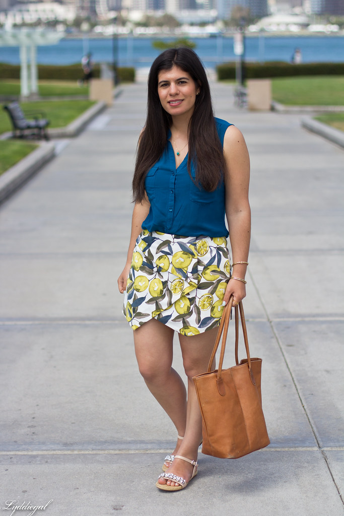leomon print skort, teal blouse, jeweled sandals.jpg