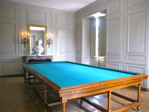 Versailles yvelines rez de chauss e du petit trianon for Salle de bain louis xv versailles