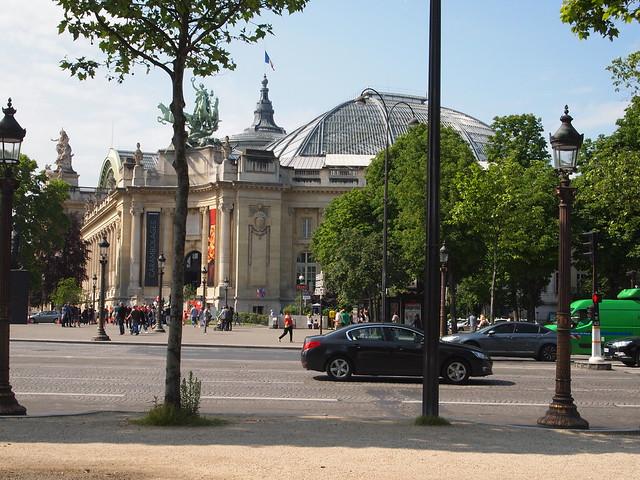 P5281828 シャンゼリゼ大通り L'Avenue des Champs-Élysées パリ フランス paris france