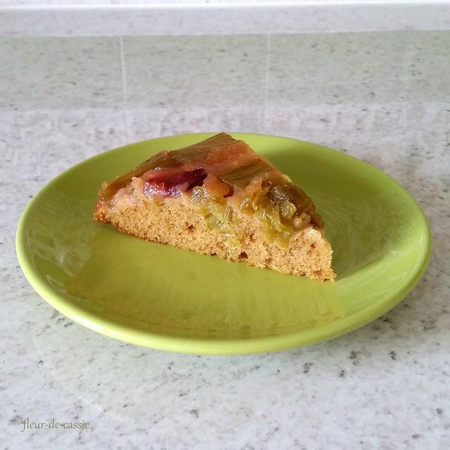 перевернутый пирог с ревенем 2