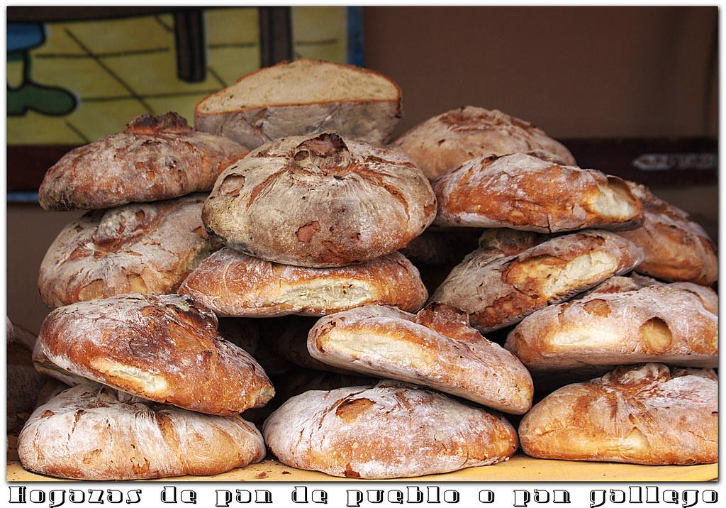 hogazas de pan artesano