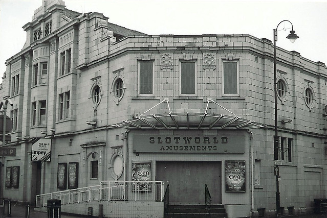 Closed Metro cinema, Delamere Street/Old Street, Ashton-under-Lyne