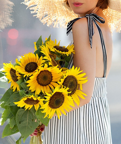 sunflowers-summer-outfits