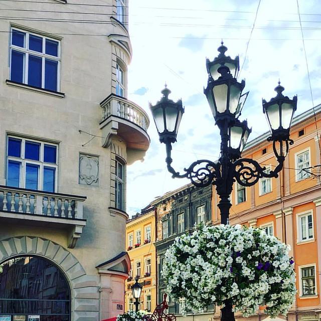 #lviv #ukraine #summer #lvivgram #lvivblog #lviving #rynoksquare #lvivua #architecture #travel #vsco #vscolviv #lvivingram #travelukraine