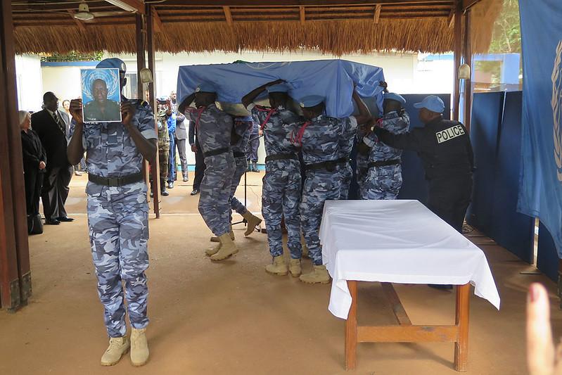 Armée Sénégalaise - Page 7 27903325981_804081a701_c